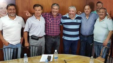 Jorge Taboada junto a la dirigencia del peronismo en lo que fue la consolidación de la alianza.