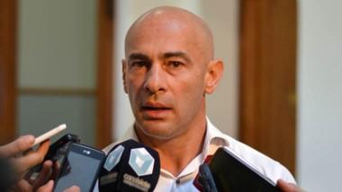 Massoni explicó los alcances del decreto firmado por el gobernador.