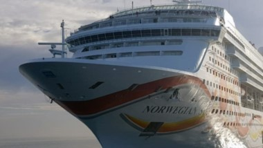El Norweggian Sun volvió a visitar Madryn en el marco de la temporada de cruceros.