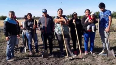 Las familias beneficiadas ya pusieron manos a la obra en las huertas.