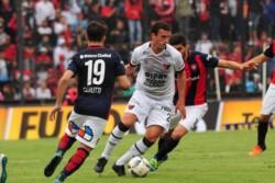 Se postergó el partido de este sábado ante San Lorenzo porque varios jugadores del Sabalero están afectados por un virus.