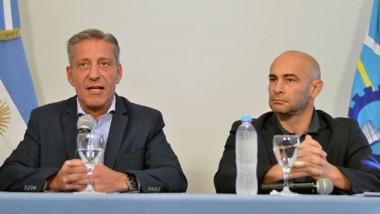 Arcioni junto al ministro Massoni explicaron cómo se aplicará la nueva normativa en la provincia.