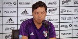 """Gallardo en conferencia de prensa: """"La pelota parada te puede ganar un partido o un campeonato, pero no hay que generar una psicosis""""."""