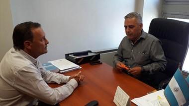 Mac Karthy sigue firme con su candidatura y buscó el respaldo en el jefe de bancada del FpV.