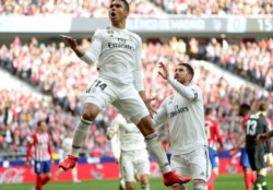Real Madrid derrotó al Atlético Madrid en un derbi cargado de polémicas.