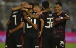 Gallardo volvería a la línea de tres defensores y reservaría a Ponzio para el partido del próximo miércoles contra Palestino.