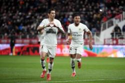 Di María festeja su gol. El PSG le lleva 20 puntos al escolta Lille.