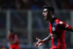 Por el golazo de Román Martínez, el Cuervo consigue su primer triunfo en el año y el primero con Jorge Almirón como entrenador.