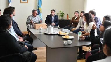 Agenda. El gobernador Mariano Arcioni reunido con algunas de las pymes en Comodoro Rivadavia.
