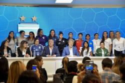 La chubutense Paola Soto, pte. de la Comisión de Fútbol Femenino del Consejo Federal, formó parte del anuncio junto a