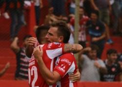 Con este triunfo el equipo santafesino ingresa en puestos de Copa Sudamericana.
