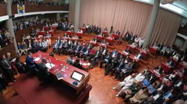 Arcioni dejó plasmada la planificación económica para la provincia.