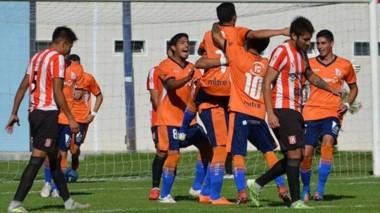 """La CAI venció por 4-1 a la """"Academia"""" y mantuvo el suspenso hasta el final en la reñida Zona 3 de la Patagonia."""