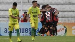 Patronato pisó fuerte en Paraná y le ganó 2-0 al Halcón.
