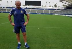 La Asociación de Fútbol Argentino hizo pública hoy la salida del exjugador a su cargo como mánager de la Selección.