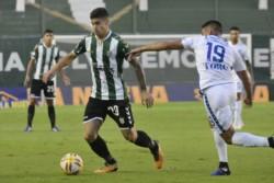 El conjunto que dirige Crespo acumula 7 partidos sin ganar como local y se despide de la chance de ingresar a la Copa Sudamericana.