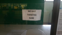 Esta mañana no había tarjetas SUBE en la Terminal de Ómnibus de Trelew (foto @loreleeming)