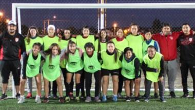 A partir del 2 de abril, Huracán de Trelew pondrá en marcha la Escuela de Fútbol Femenino.