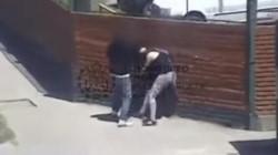 Los policías procedieron a la detención de un joven que estaba golpeando a una mujer de 44 años, que luego resulto ser su progenitora. (Archivo)