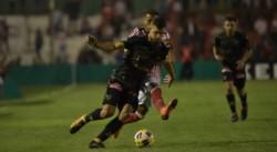 Terrible triunfo de Los Andes. Por el gol de Fabricio Lenci, derrotó 1-0 a Instituto y sueña con la permanencia.