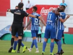 Victorio Ramis, quien había ingresado para jugar los últimos diez minutos, metió dos goles en los 3 minutos de adicional.