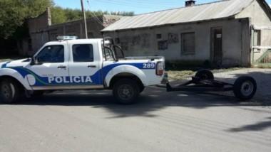 El hurto de un carro con eje fue el motivo del allanamiento al desarmadero en el transcurso del dia de ayer.