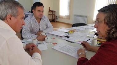 Encuentro. Acuerdo con Aleuy y San Martín para la ayuda invernal.