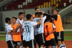 Cerca del final, Bruno Amione (Belgrano de Córdoba) logró rescatar un punto para la Albiceleste.