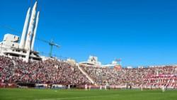 Por irregularidades en el pago de sueldos a su jugadores, Huracán sería castigado por la Superliga.