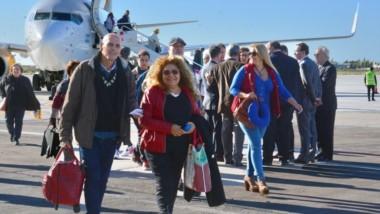 En primer vuelo de Flybondi arribó al aeropuerto de Trelew con 119 pasajeros y, minutos después, emprendió su retorno a El Palomar.