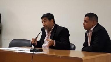 Adrián Currulef junto a su defensor solicitando la reducción de pena.