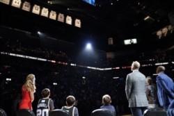 San Antonio Spurs rindió homenaje a Ginóbili y retiró la camiseta número 20 que usó durante 16 temporadas.