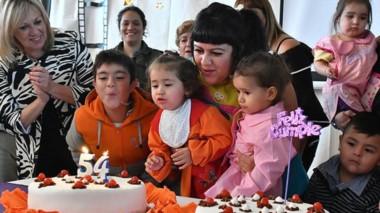 El Ruca Cumelén cuenta actualmente con una matrícula de 90 niños de 1 a 10 años de edad.