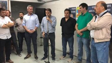 Hubo discursos durante la inauguración de un nuevo local de campaña de Mariano Arcioni en Esquel.