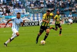 Con un gol de Leandro Díaz, Atlético Tucumán cerró su participación como local al vencer a Aldosivi por la mínima.