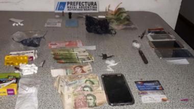 En el operativo, Prefectura aprehendió a una mujer y se le allanó su casa de Puerto madryn. Había cocaína.