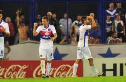 Tigre se lo dio vuelta a Vélez. Le ganó 2-1 con un doblete de Fede González.