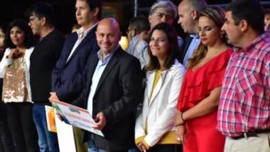 Lotería del Chubut entregó bienes de acción social a treinta y tres organizaciones sociales y deportivas.