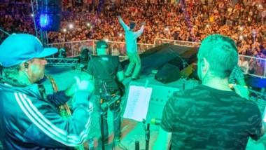 La banda nacional de reggae Los Cafres brindó  un excelente show de cierre  en el Anfiteatro de Playa Unión.