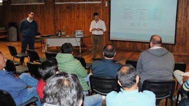 Información. La empresa reunió a gasistas matriculados y funcionarios para explicarles el mecanismo.