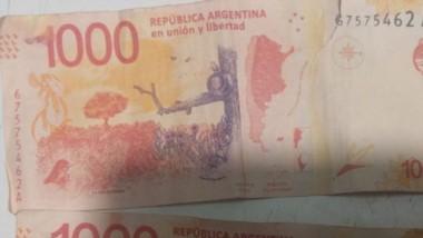 Prueba. Los billetes falsos que la Justicia Federal ordenó secuestrar.