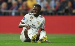 Como si le faltara algo más a esta temporada del Real Madrid, ahora el club informa que Vinicius Jr. sufrió una rotura de ligamentos.