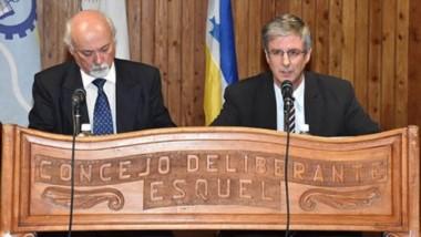 Contra todos. El jefe comunal apuntó a sus rivales en las elecciones y criticó las protestas municipales.
