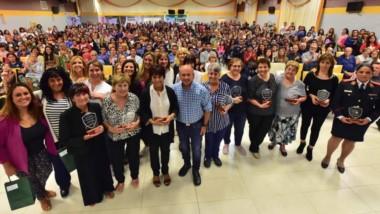 El intendente de Puerto Madryn, Ricardo Sastre, agasajó a las mujeres por su día en el salón Héroes de Malvinas.