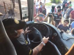 Diego Maradona llegó a Tampico manejando el ómnibus del plantel del Gran Pez.