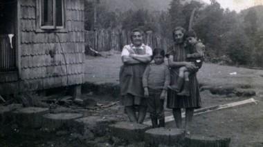 Los primeros pobladores llegaron desde Chile a fines del siglo XIX.