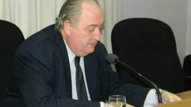 El juez de cámara Rafael Lucchelli procedió a la lectura del fallo.