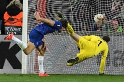 Marcos Alonso apareció sobre el final del encuentro para darle la ventaja mínima al Chelsea sobre Slavia Praga.