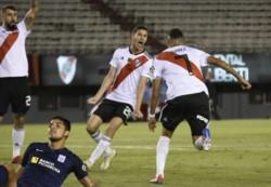 Matías Suárez recibió de Nico De La Cruz y anotó el 1-0 de River ante Alianza Lima en la Libertadores.