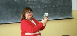 Los docentes podrán tomar asistencia en los establecimientos estatales con sus celulares.